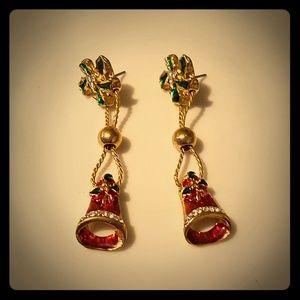 Vintage Christmas post earrings, preowned.